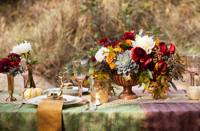 How awesome is this fabulous eclectic fall table?!