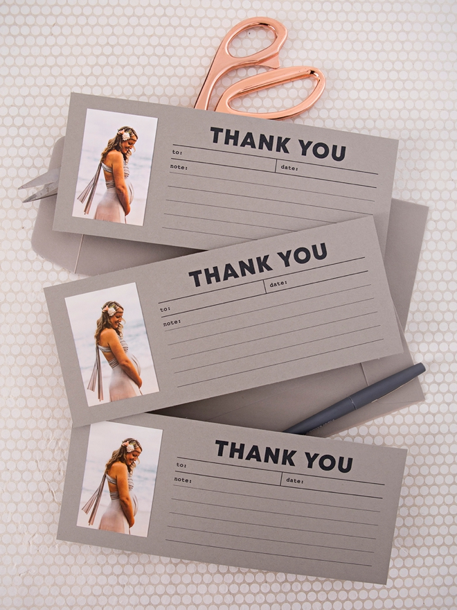Check out these free printable photo thank you cards!