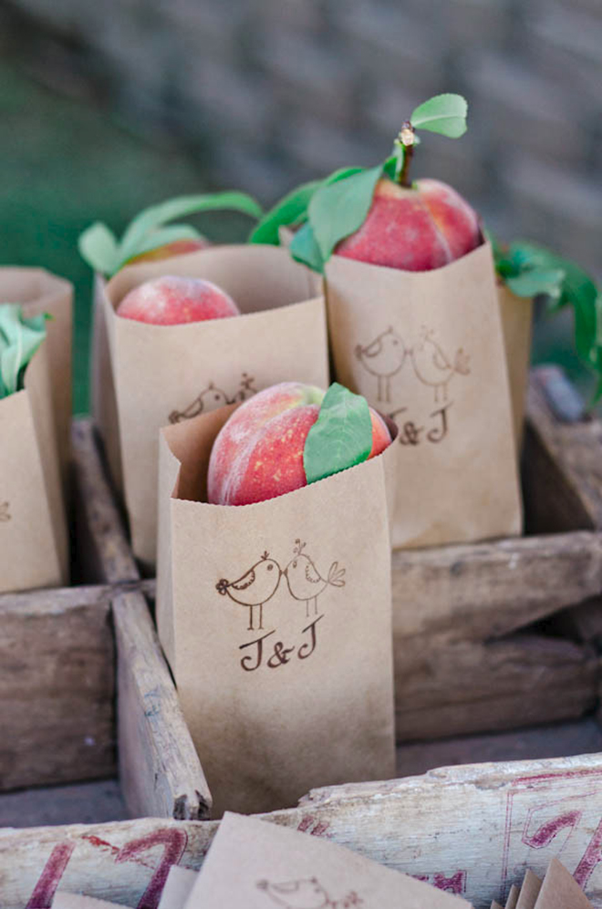 How darling are these peach favors!?