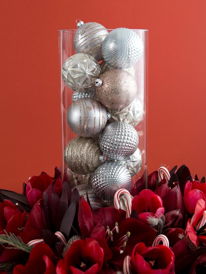 Learn how to arrange your own wreath style centerpieces!