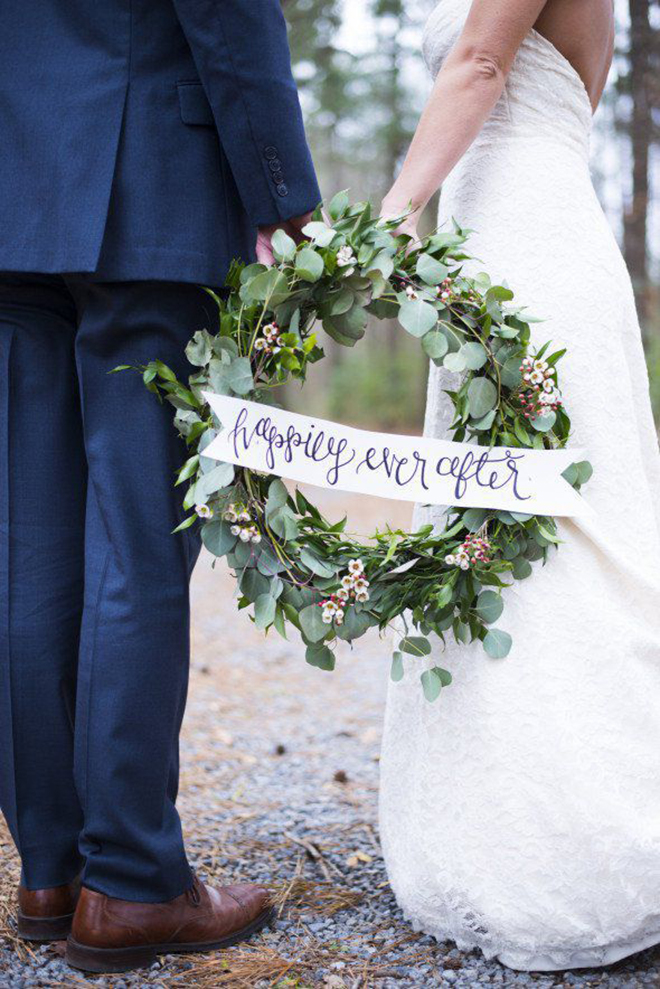 Must have winter wedding photos, the wreath.