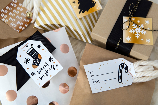 Free printable holiday gift tags in mixed metals!