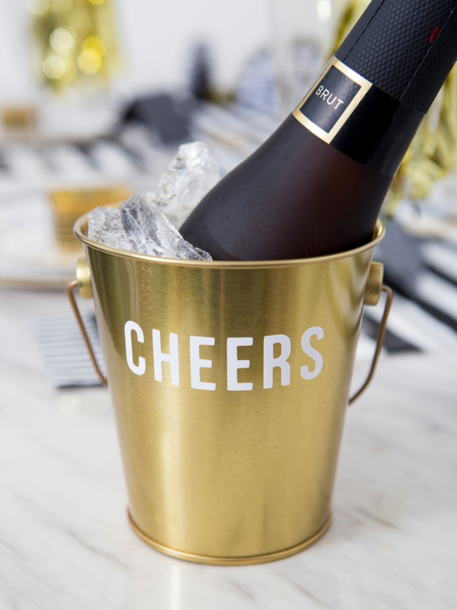 DIY mini-champagne ice buckets, so cute!
