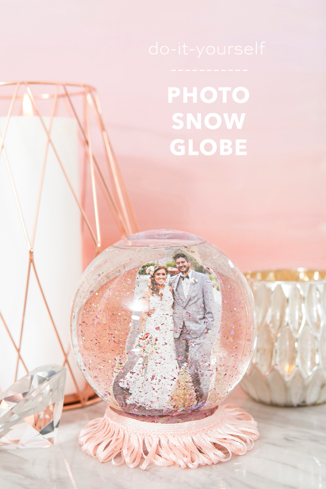 These DIY wedding photo snow globes are amazing!