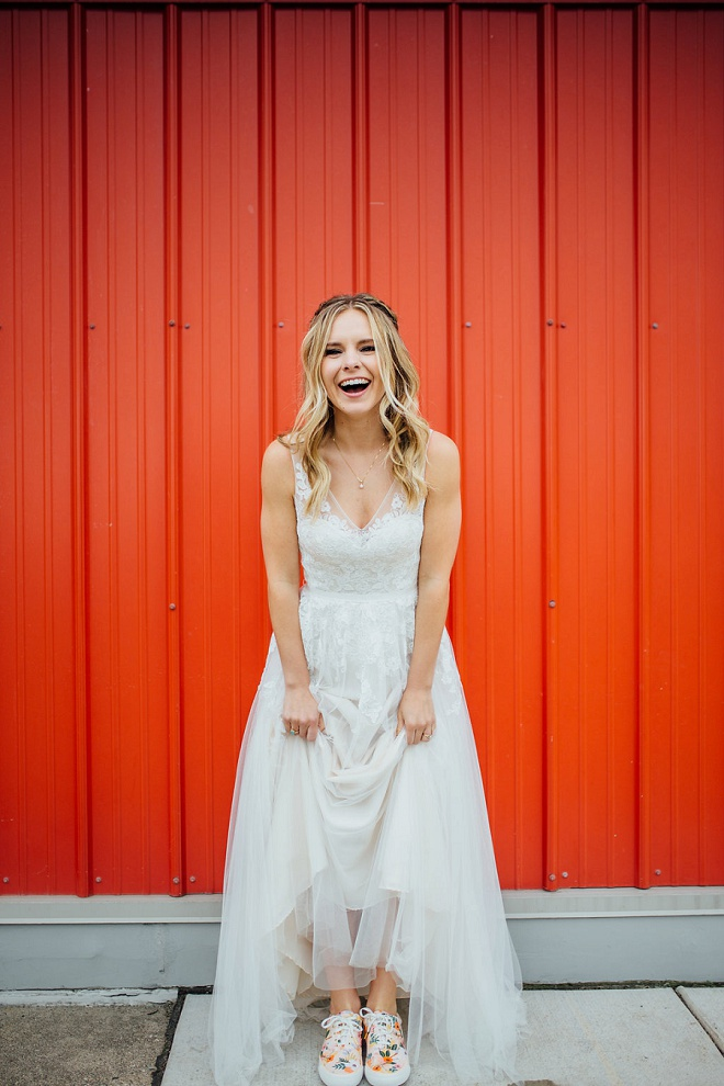 Rocking fun keds as a Bride? Yes, please! We love how our Bridal Blogger Carli did it right! You DON'T want to miss a snap from her darling day!