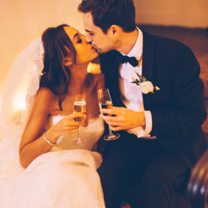 We're in LOVE with this GORGEOUS holiday-esque wedding!