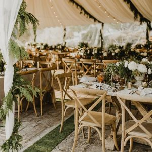 Your guide to choosing greens for your winter wedding.