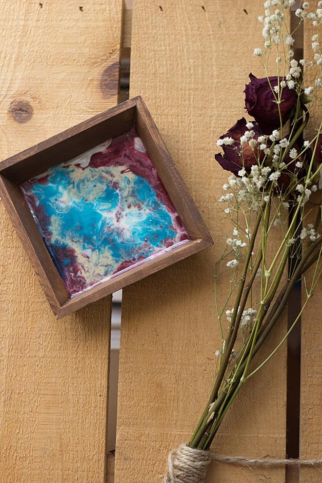 Make this fun DIY resin wood dish!