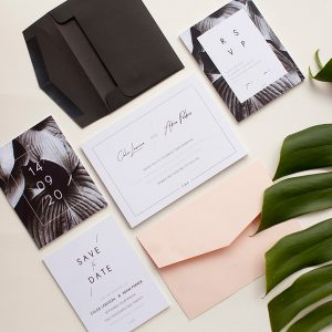 I need these minimalist invites for our wedding! Minimal colour, but maximum impact.