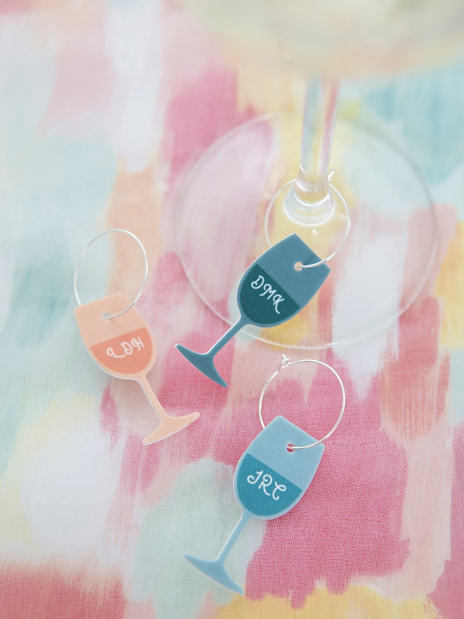 These DIY shrinky dink wine charms are so freaking cute!