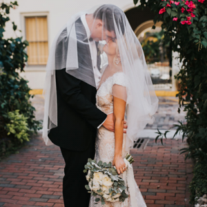 We're crushing hard on this stunning handmade wedding! Don't miss it!