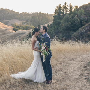 SO many gorgeous snaps from this dreamy DIY wedding! You don't want to miss it!