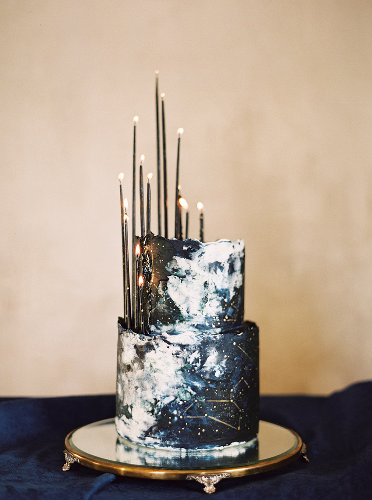 15 Ways to Style Black Candles