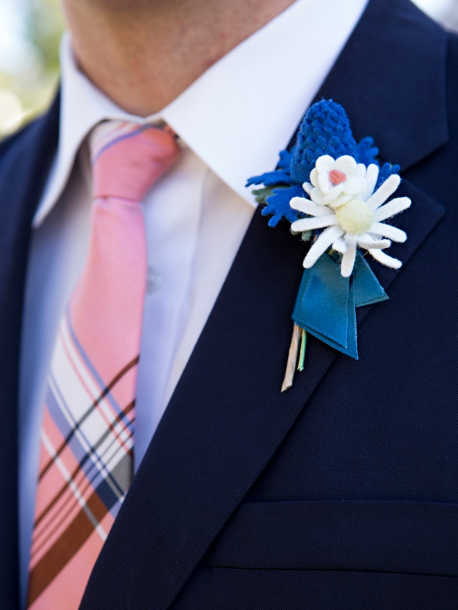 How to make awesome boutonnieres out of felt!