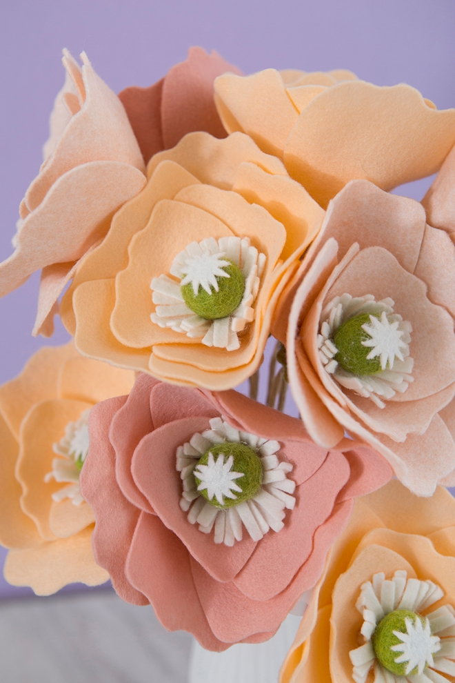 Learn how to make these amazing giant Iceland poppies out of felt!