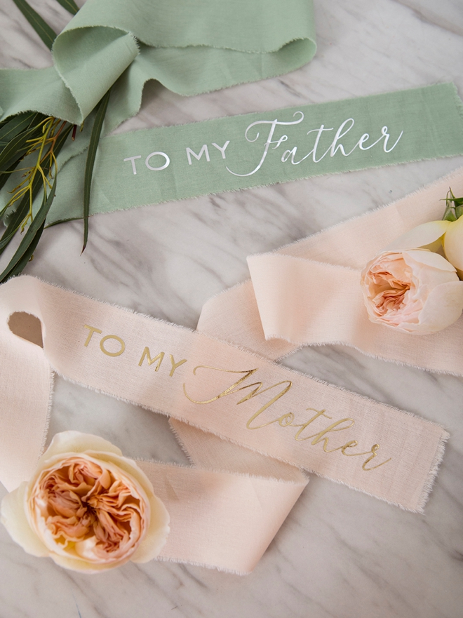 Personalize your own Mom and Dad wedding day gifts with Cricut!