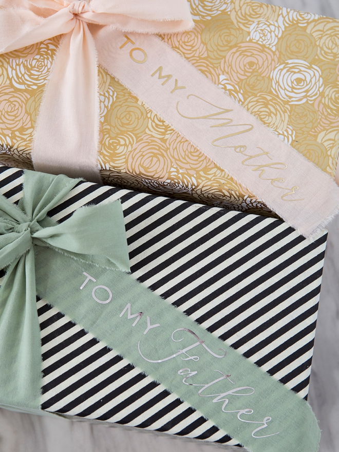 Look at this adorable DIY Mothers + Fathers day wedding gift box!