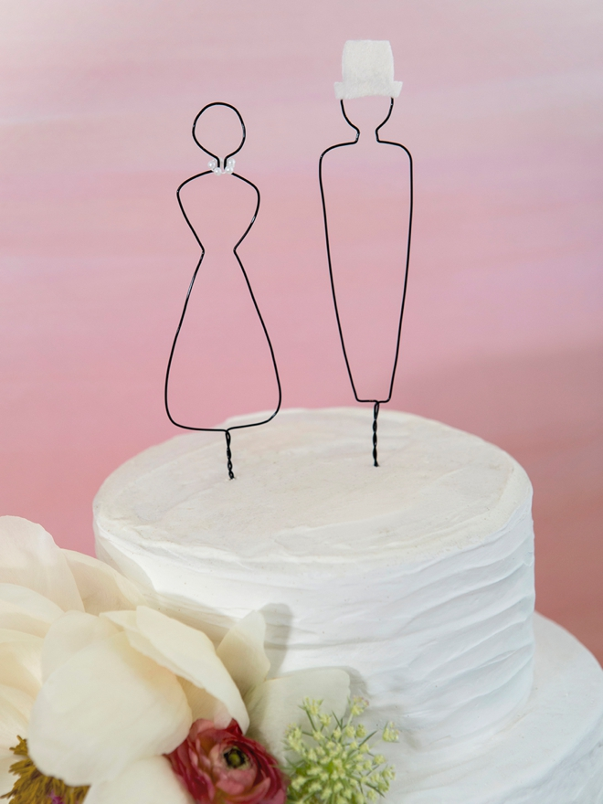 Make your own custom wire wrapped people for your wedding cake topper!