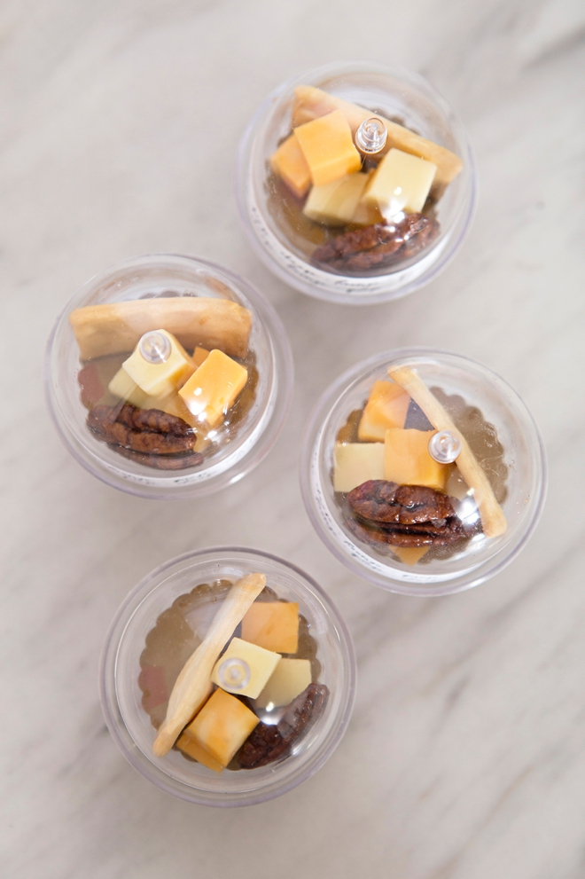 Make your own mini cheese board wedding favors, in mini cake stands!