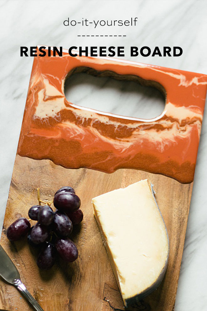 This resin cheese board is the perfect DIY wedding gift!