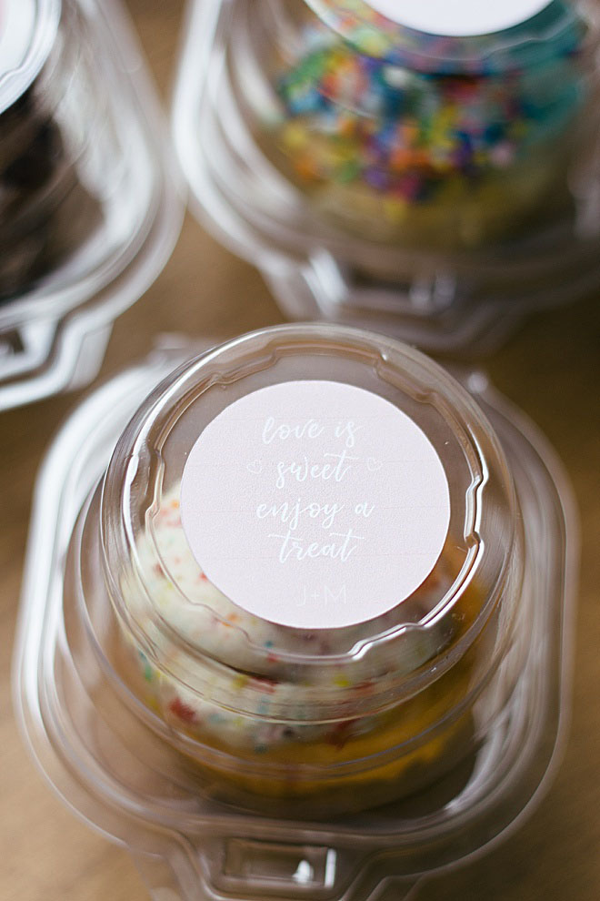 You need to make these adorable print then cut cupcake dome sticker toppers for your wedding!