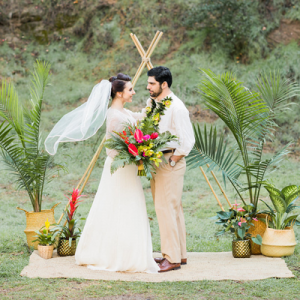 You're going to be crushing as hard as we are on this gorgeous tropical styled wedding on the blog now!