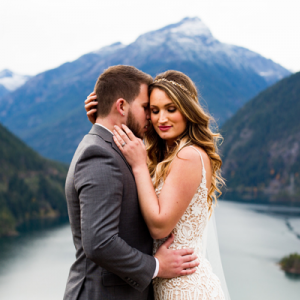 OMG! We're OBSESSED with this super gorgeous styled wedding at Diablo Lake!