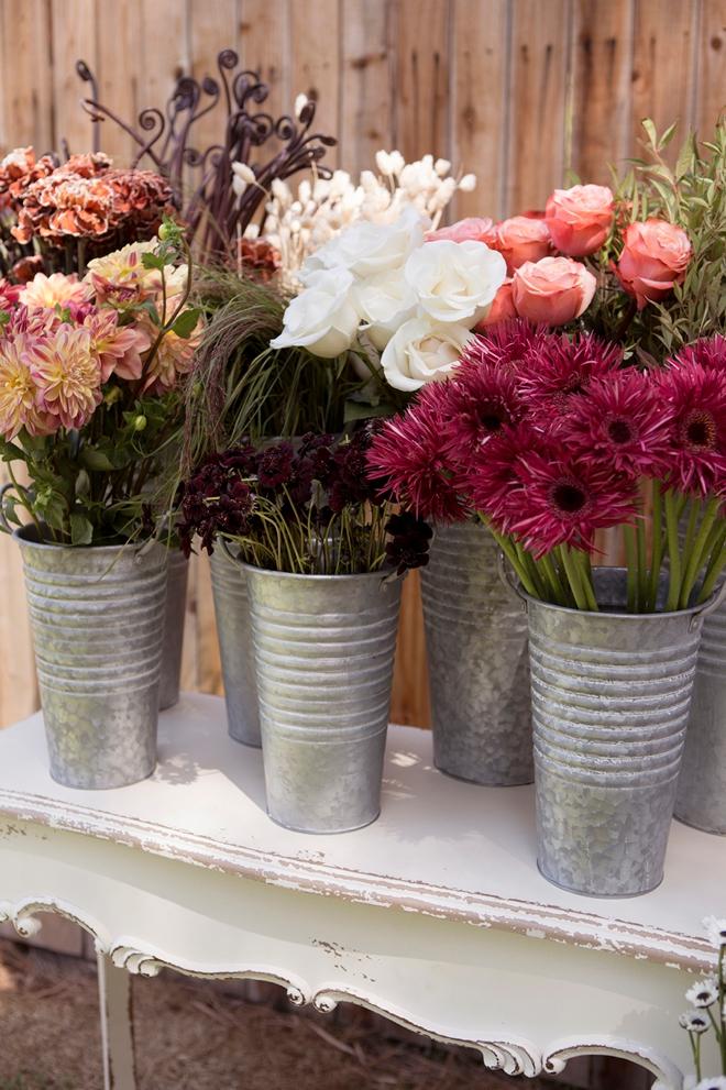 How to create a stunning fall flower bouquet bar!
