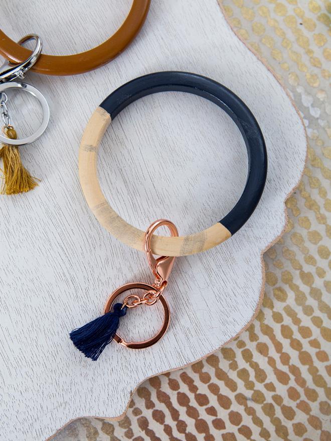 How to make adorable and easy bangle keychain bracelets!