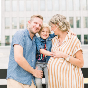 We're sharing Lauren's ADORABLE family maternity session on the blog today and you don't want to miss it!!