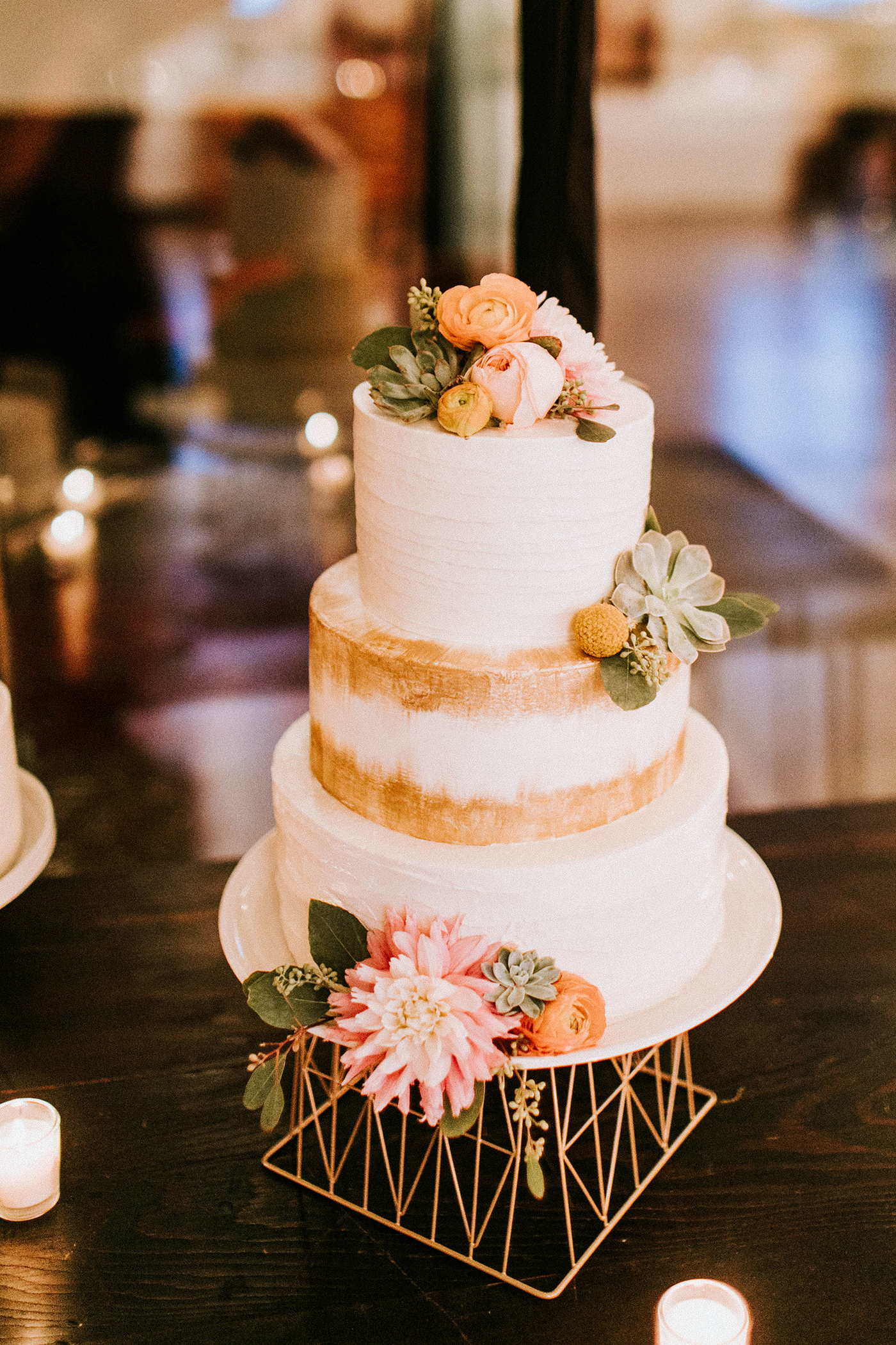 Top 20 Unique Wedding Cake Stands