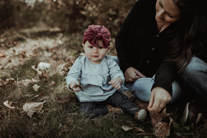 Great idea for a family photo shoot with a baby! I really like the dark, moody colours and minimalist look.