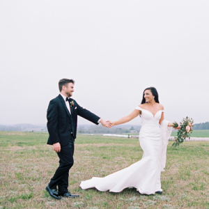 OMG! We're in love with this uber Romantic + Handmade Historic Smithonia Farm Wedding!