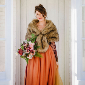 Are you a Fall Bride? You don't want to miss this super gorgeous styled Fall Bride shoot!
