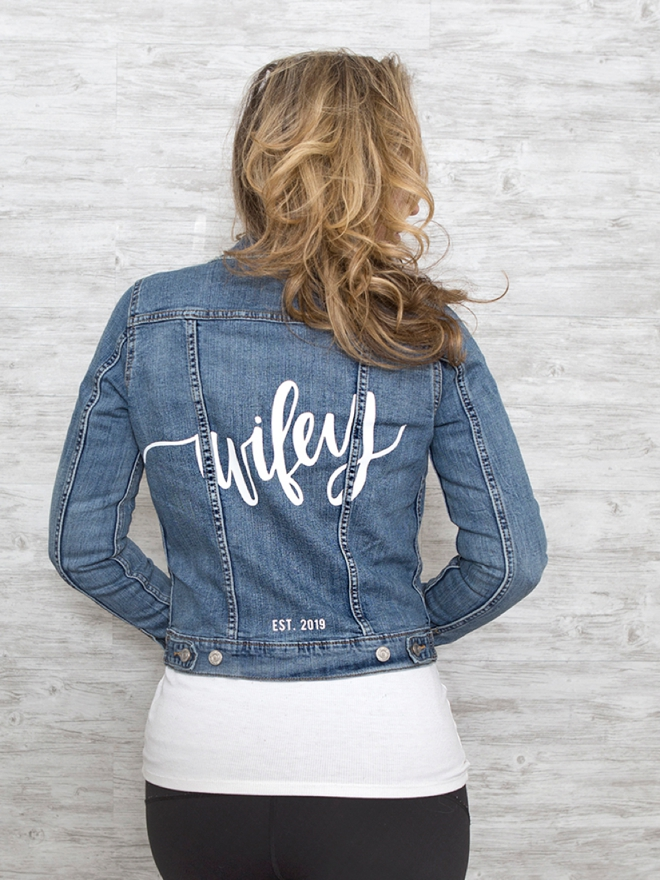 Personalized Jean jacket with Cricut!