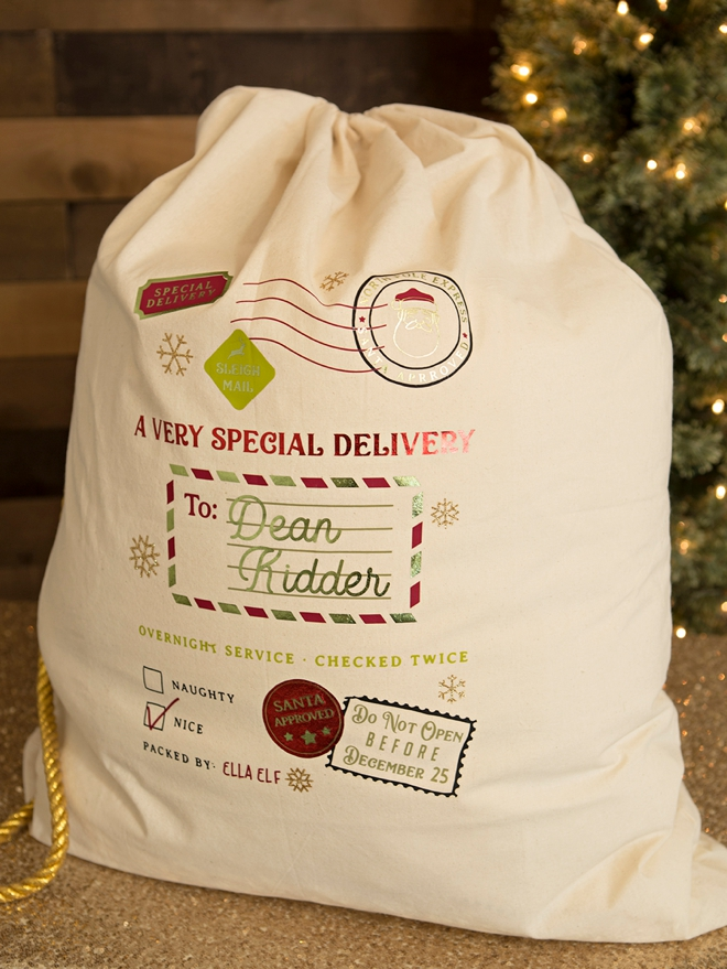 Personalized kids Santa Gift bags made with the Cricut