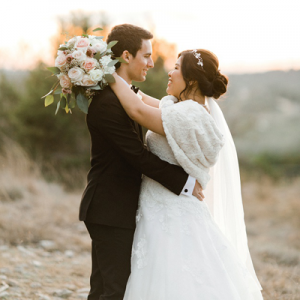 OMG! We're obsessed with this dreamy DIY Winter wedding on the blog today!