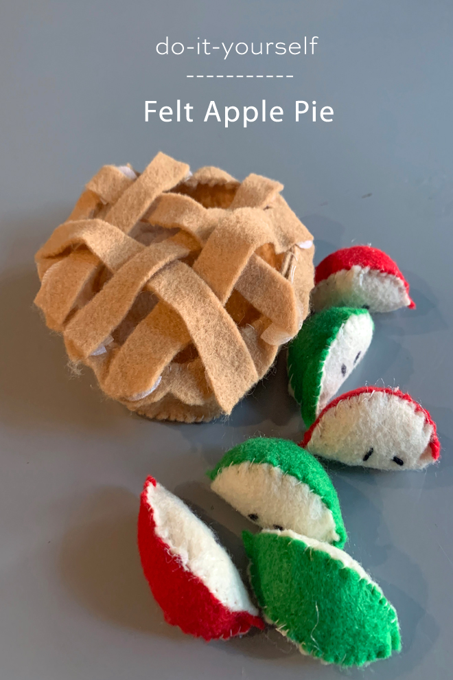 How to make a felt apple pie