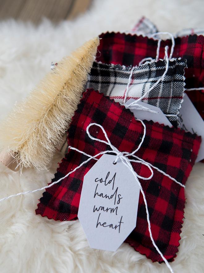 Adorable DIY holiday gift hand warmers!