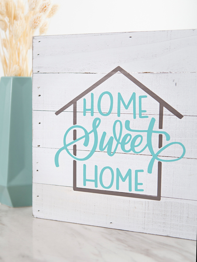 Use your Cricut to make a sweet house warming gift for a friend!