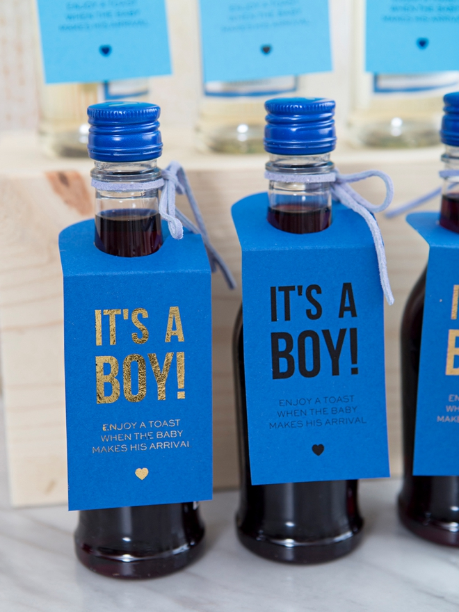 These DIY It's a Boy mini wine favors are the cutest!