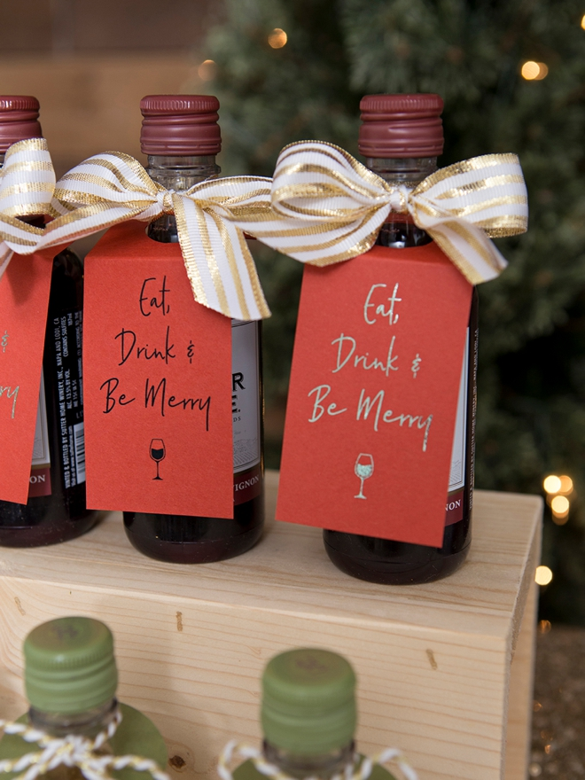 These DIY funny holiday mini wine favors are the cutest!