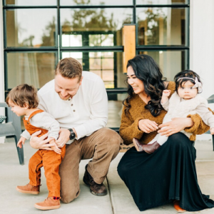 This adorable holiday card shoot from this gorgeous boho SoCal family is so cute!
