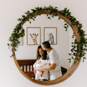 We are OBSESSED with this adorable at-home lifestyle newborn session!