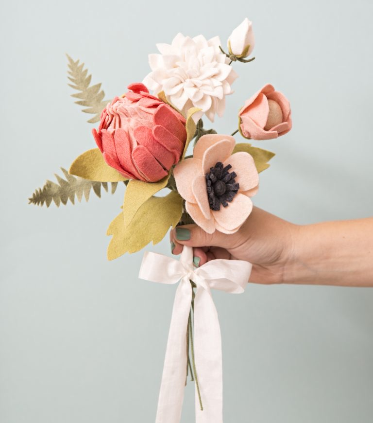 The best DIY felt flowers