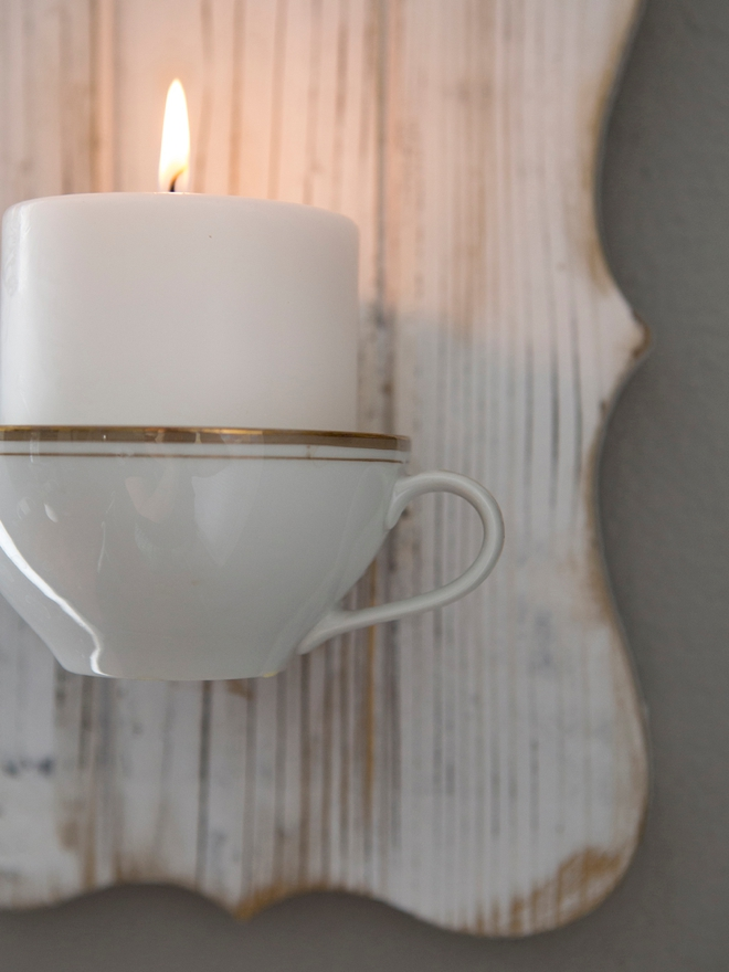 These DIY heirloom teacup candles are so sweet!