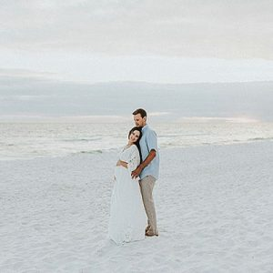 We can't stop crushing on this dreamy 30A maternity session on the beach!