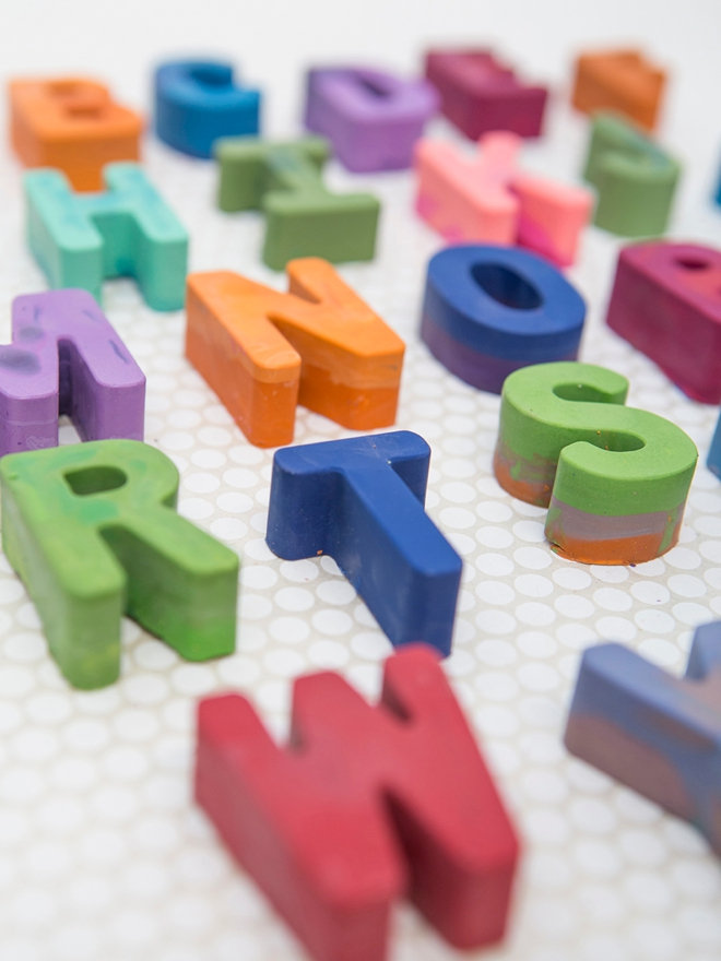How to make marbled alphabet crayons!
