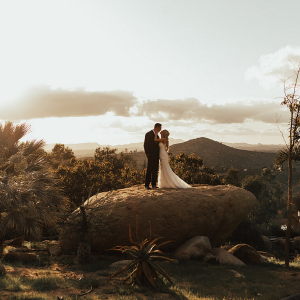 OMG! We are in LOVE with this moody Boho Cordiano Winery Wedding on the blog!
