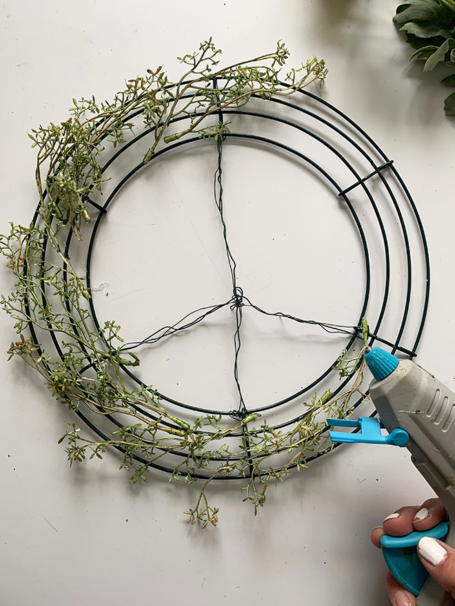Darling DIY peace sign wreath